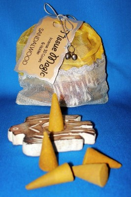 Tissue Magic Incense Cones with holder in a bag, Sandalwood
