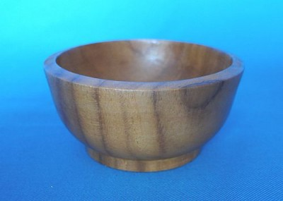 Salt dishes from wood