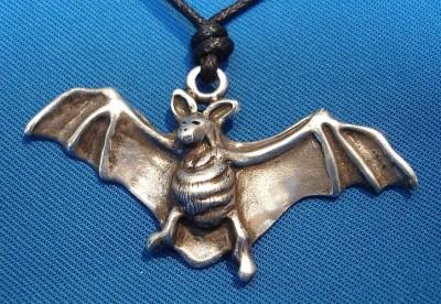 Pendant Bat