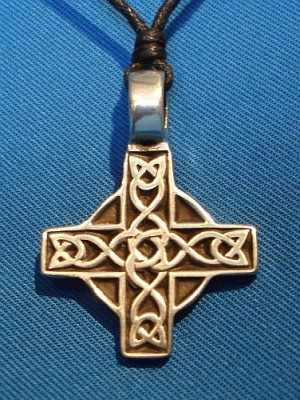 Pendant celtic Cross isosceles