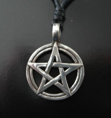 Pendant Pentagram in Circle