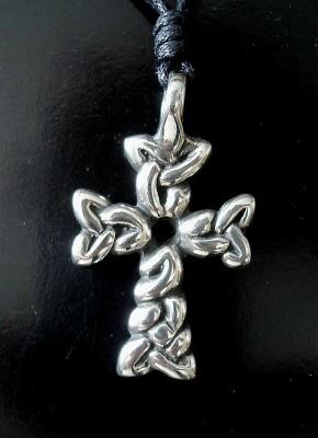 Pendant Woven Cross