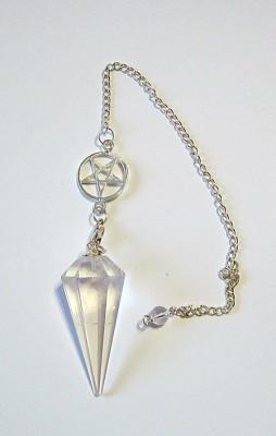 Pendule cristal de roche à facettes avec chaîne Pentacle