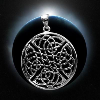 Ciondolo in argento nodo celtico a 4 pieghe