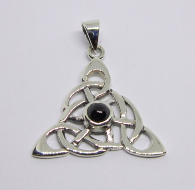 Silver pendant Brighid knot with onyx