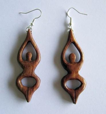 Paio di orecchini in legno- La dea!
