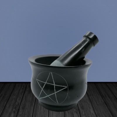 Mortier en stéatite avec un pentagramme