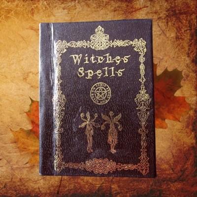 Kleines Buch für Zaubersprüche Witches Spells