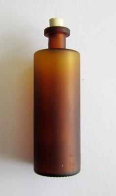 Handgearbeitete Elixierflasche antik braun 200 ml mit Korken