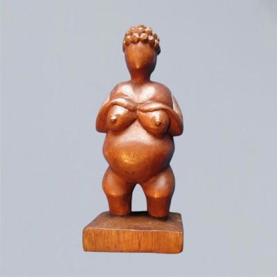 Figur aus Holz Erdgöttin