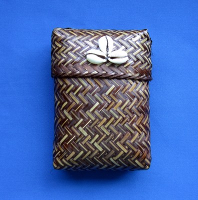 Woven box for cards