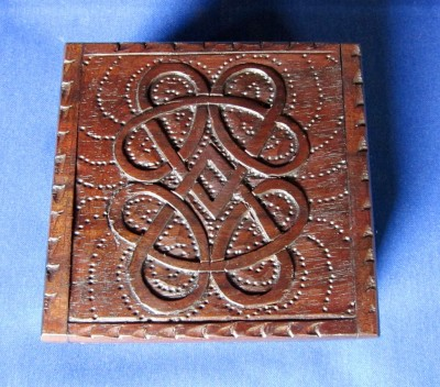 Boîte avec motif noeud celtique petit