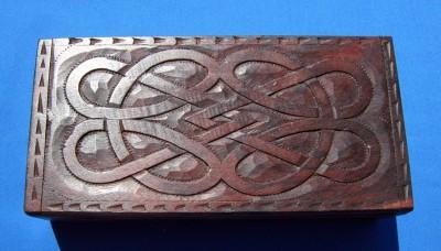 Box con motivo nodo celtico grande