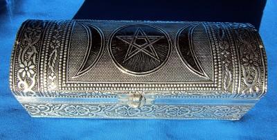 Truhe Pentagramm mit Triple Moon, Metall