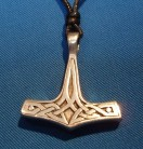 Pendentif Marteau de Thor celtic