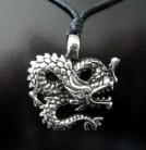 Pendentif Dragon sinueux