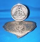 Portaincensi di metallo a forma di foglia con Triquetta