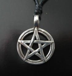 Pendant Pentagram in Circle