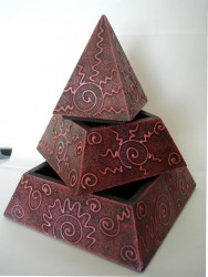 Pyramiden Kästchen mit 2 Fächern