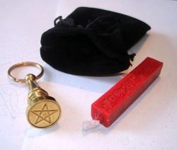 Petschaft mit Siegelstempel Pentagramm im Beutel
