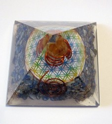 Orgonite pyramid with lapis lazuli and flower of life