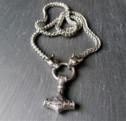 Stainless steel necklace Thor's hammer with Geri and Freki