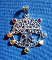 Ciondolo Pentagramma Albero della Vita con pietre chakra