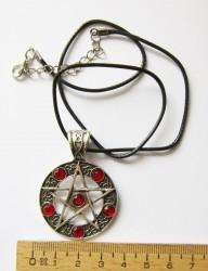 Ciondolo Pentagramma con pietre rosso sangue