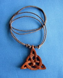 Halskette Triquetta