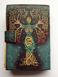 Livre des ombres Déesse dans un arbre entrelacé avec des garnitures en laiton