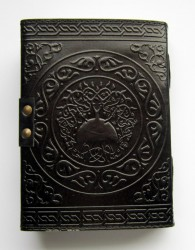 Livre des ombres pentagramme noir avec garnitures en laiton