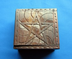 Box Pentagram small