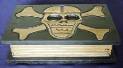 Boîte tête de mort livre