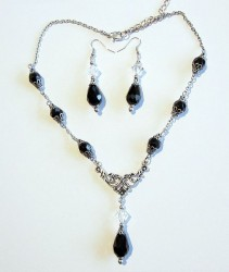 Necklace Dark Night including earrings