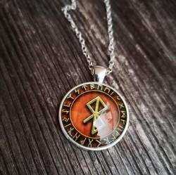 Pendentif paix rune dans le cercle runique